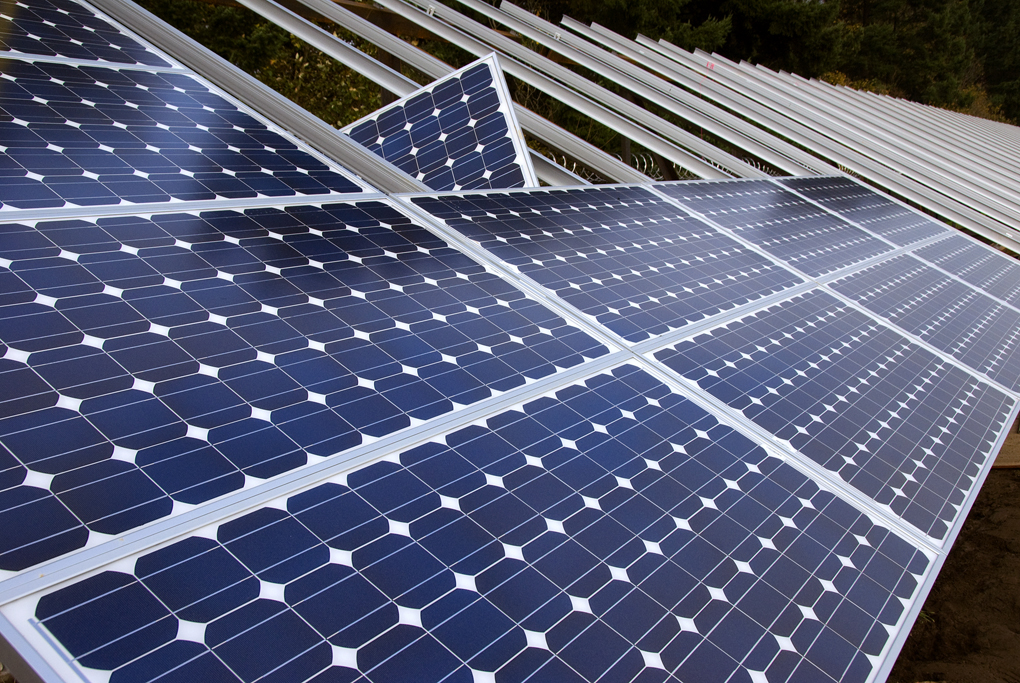 Time to Be Eco-Friendly: 5 Advantages When You Have Solar Panels in Your Household