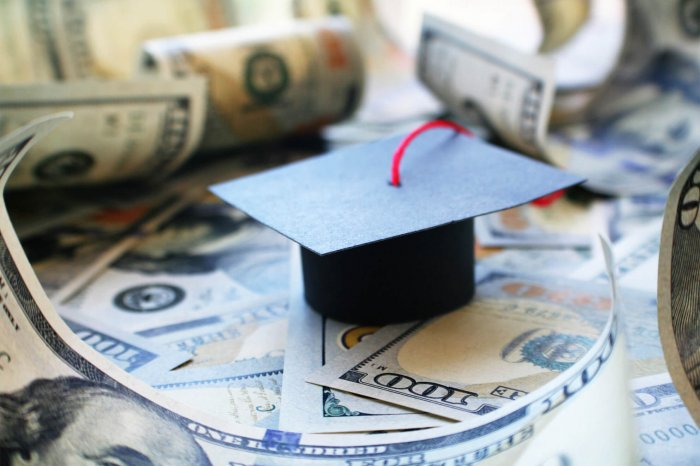 Tips To Control Student Loan Debt